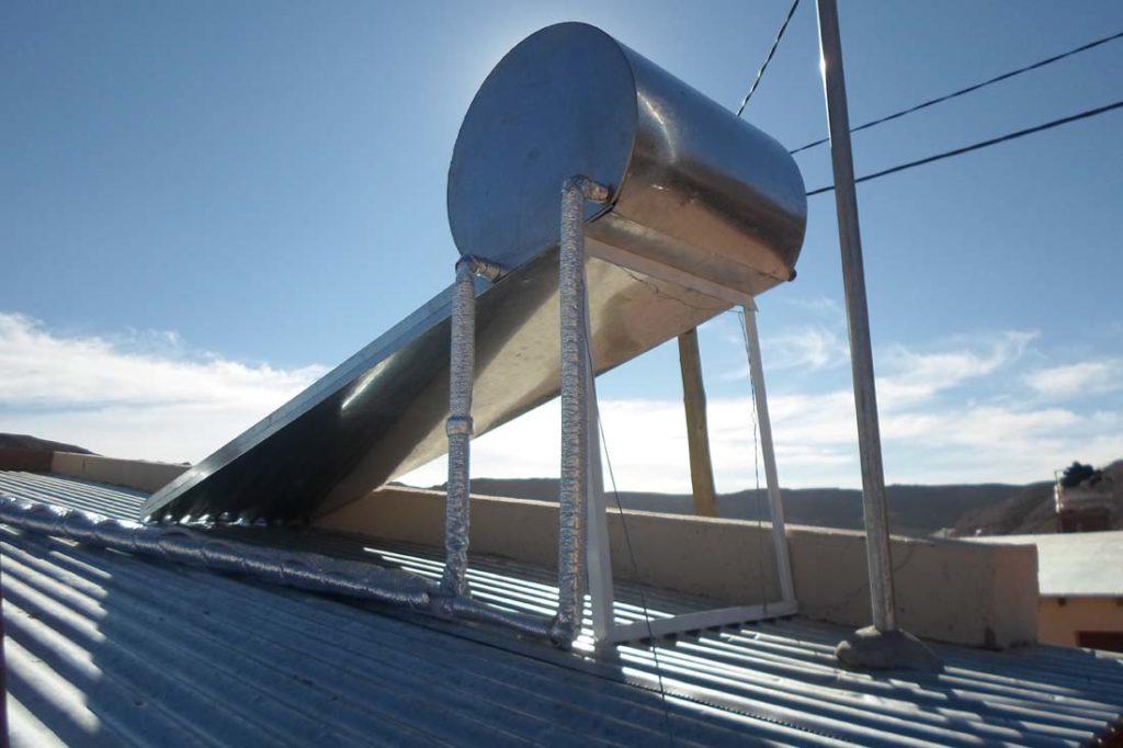 ermotanque solar producido por Jujuy Solar para Viviendas IVUJ