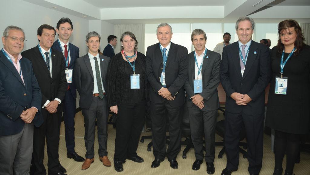 El Gobernador Gerardo Morales Firma con el BEI